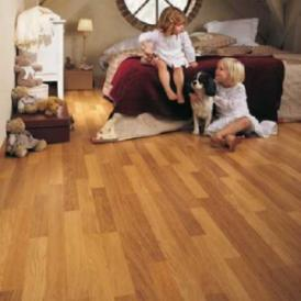 Enhanced Oak Natural Varnised 3 Strip
